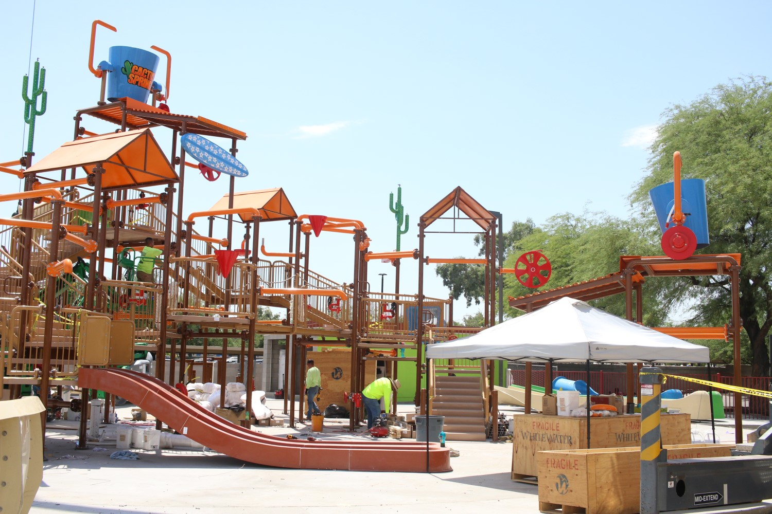 Construction of a splash pad facility